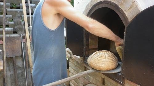 Kemencében sült házi kenyér